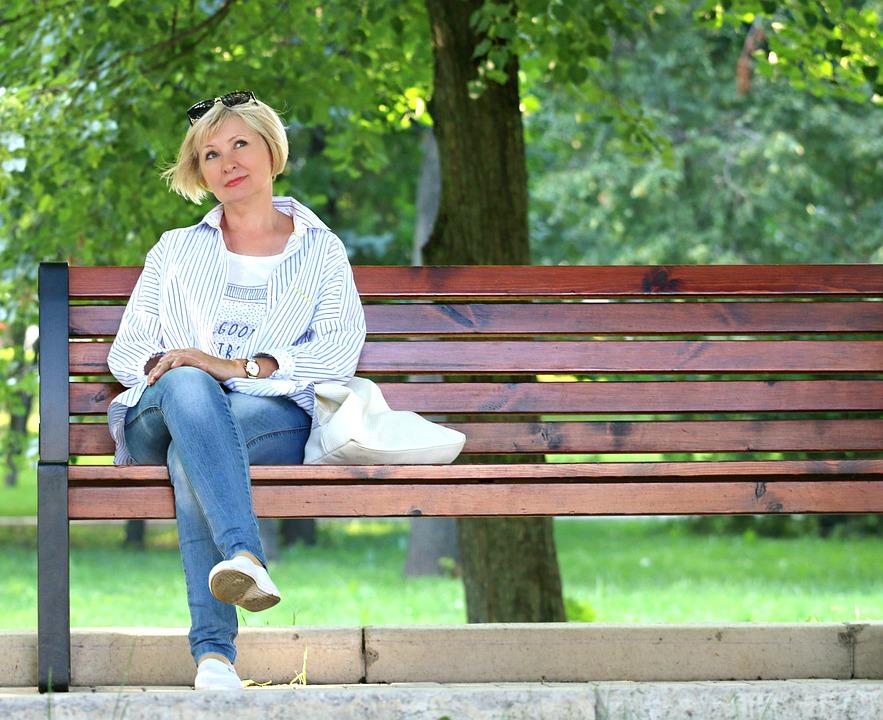 mujer pensar visualizacion Hábitos saludables: la importancia de marcarse un buen objetivo