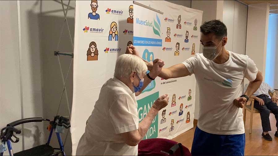 trabajo defensa con Venancia ¿Karate para la tercera edad?